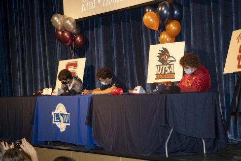 Roffwarg (left), Mintz (middle), Blum (right) sign their letter of intents to play collegiate baseball